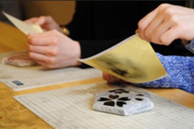 金沢の金箔貼り体験はお土産にぴったり~【金箔屋さくだ】では予約随時受付中~